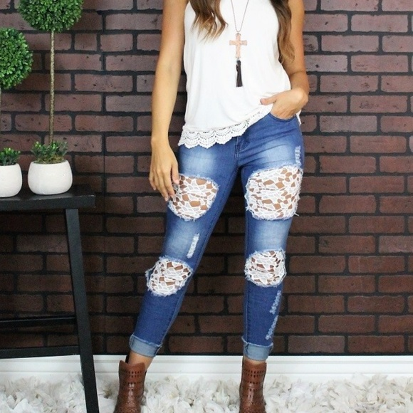 89c2de9e859 NEW L   B PLUS DISTRESSED LACE BOYFRIEND JEANS
